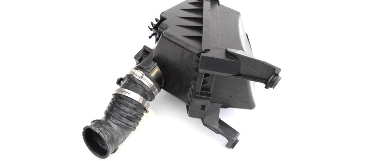Obudowa filtra powietrza Subaru Impreza WRX STI 2000-2002 oem 46052FE000