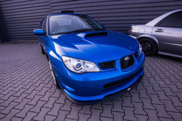 niebieskie Subaru Impreza STI Spec C Type RA 2005