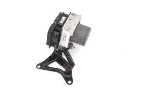 Do sprzedania oryginalna pompa ABS pochodząca z Subaru Imprezy WRX STI 2005 wersja JDM nr OEM 27534FE240